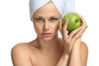 Натуральные специальные самодельные средства очищения и ухода за молодой кожей лица защитного характера
