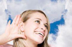 Небольшие прыщики за ухом