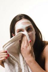 Угревая сыпь на лице и плечах